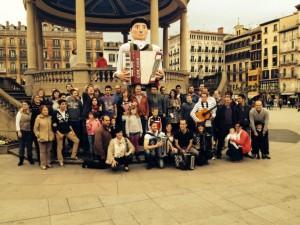 Akordeolari, en la Plaza del Castillo